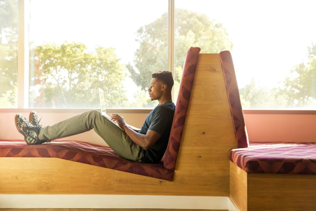LinkedIn-Tip-For-Freelancers-and-Creatives-Latesha-Byrd 9